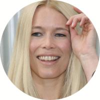 Claudia-Schiffer-virgo