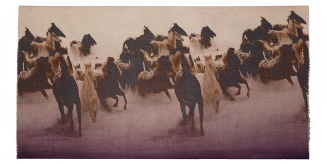 sagittarius-gift-guide-horse-scarf