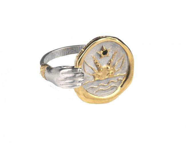 Hand-Ring-Zodiac-Capricorn