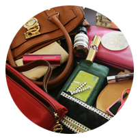messy-handbag
