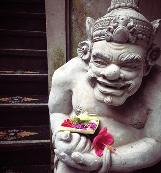 bali-moon-statue