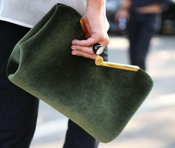 purse-manifest-taurus